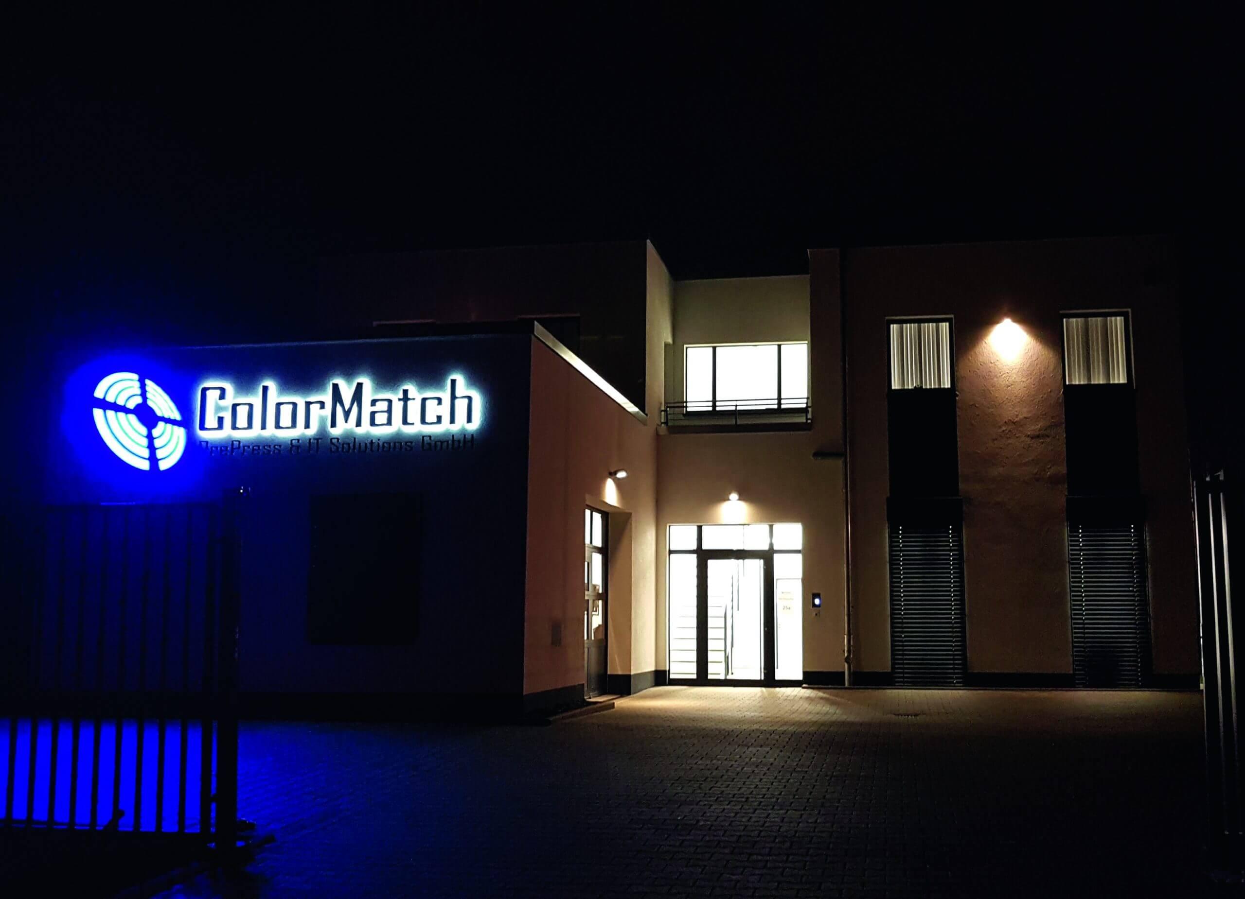 https://www.plassmeier-bau.de/wp-content/uploads/2020/12/Colormatch_Nacht-scaled.jpg
