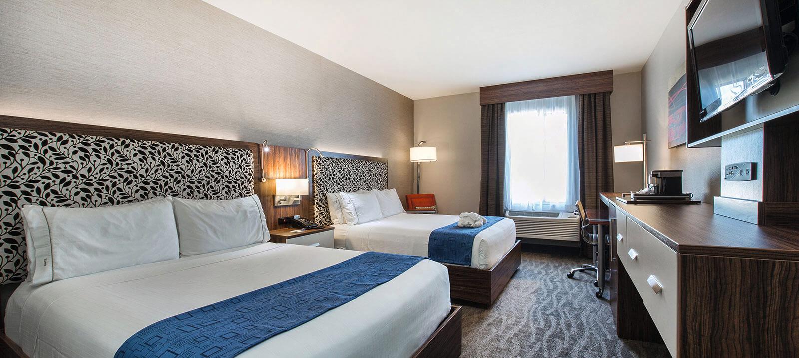 https://www.plassmeier-bau.de/wp-content/uploads/2020/12/Hotelzimmer-HIEX.jpg